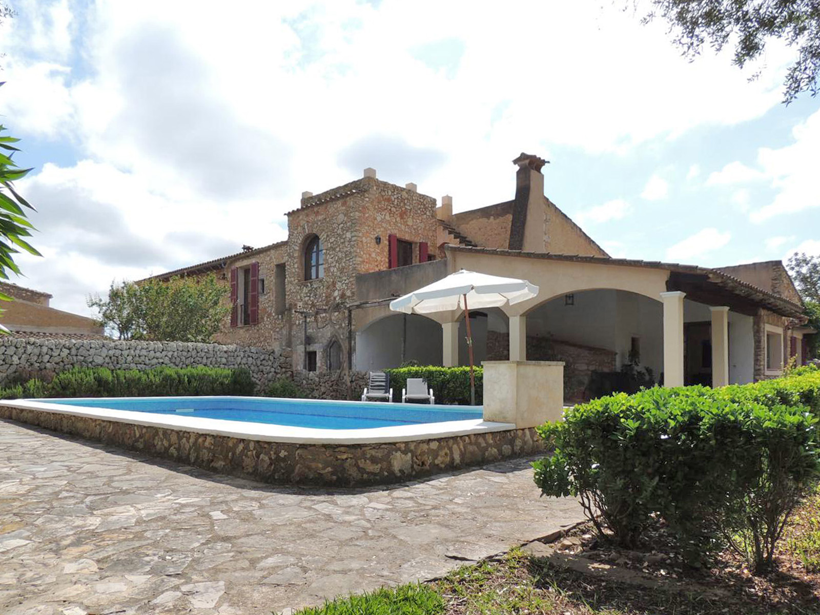 GRAND STONEFINCA WITH POOL AND GARDEN IN FELANITX