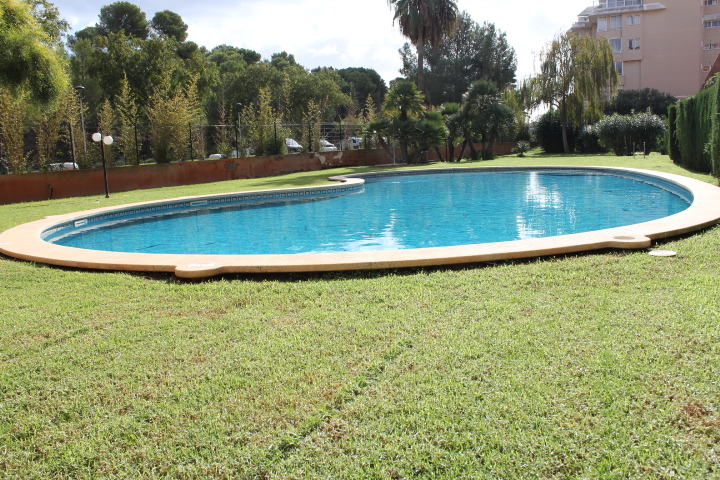 APARTMENT WITH POOL, PARKING SPACE AND STORAGE IN SA COMA